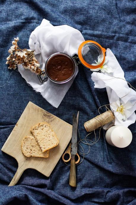 untable de chocolate y avellanas postres rápidos postres fáciles Nocilla casera crema de chocolate crema de cacao con avellanas crema de avellanas casera como hacer nocilla en casa