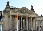 Tras restos pasado nazi Berlín