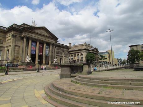 Liverpool;    la ciudad de los Beatles...y también de los Frankie Goes To Hollywood.