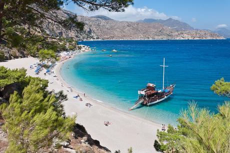 playa apella isla karpatos grecia
