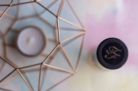"Review: Base de maquillaje ""Born this way"" de Too Faced"