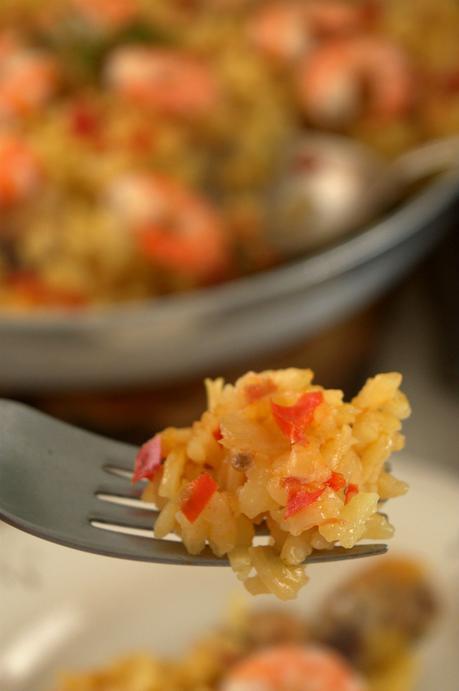 Arroz con pollo y langostinos, porque esto de paella no tiene nada de nada #arbolillosalamarTS