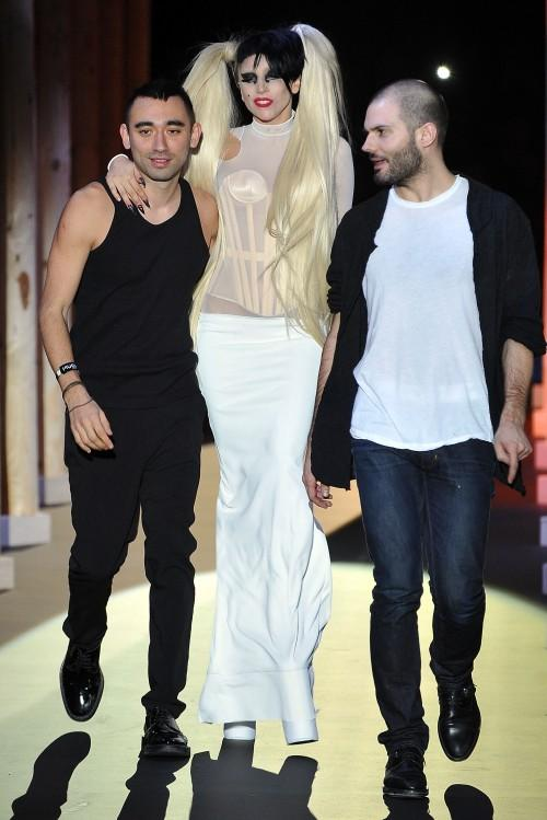L wrote a new blog post: Lady gaga, puta del gobierno