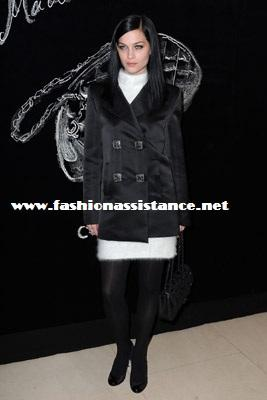 Blake Lively Winter Style on Paris Fashion Week  Fall Winter  2011 2012  Blake Lively Homenajeada