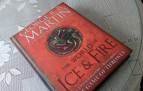 The world of ice and fire de George R.R. Martin, Elio M. García y Linda Antonsson (reseña y fotoreseña)