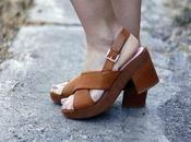 llegada verano viste pies sandalias