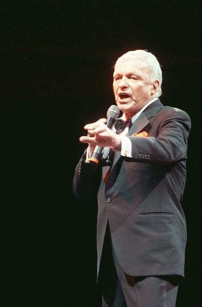 Frank Sinatra at Sanctuary Cove, Brisbane (January 9th 1988)