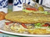 Tortilla Patata rellena Chicharros (Jureles) Ensalada