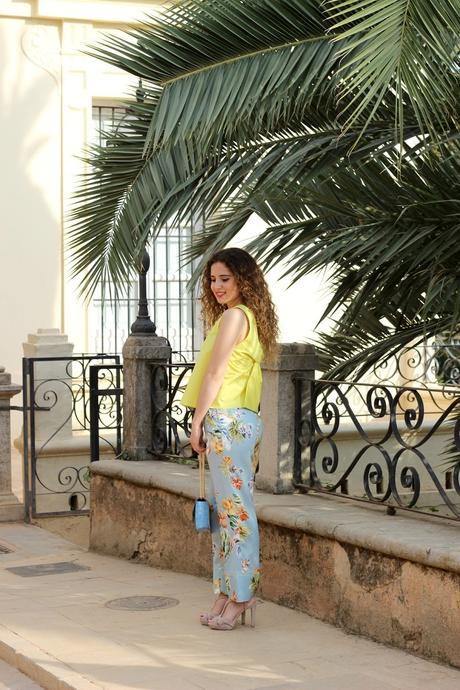 BLUE CULOTTES AND YELLOW TOP