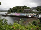 Imprescindibles visita Escocia (7). Portree, puerto multicolor Skye