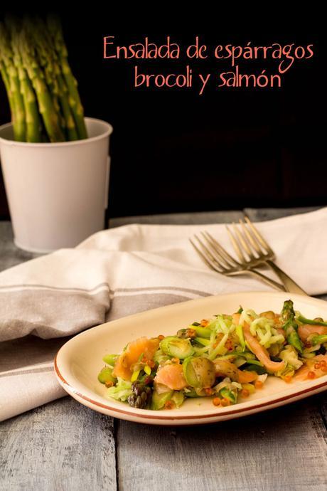 Ensalada de espárragos, brocoli y salmón