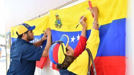 Maduro pide PAZ en jornada electoral