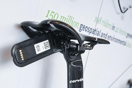 ¿Qué es el dispositivo negro que llevan bajo el sillín en el TDF y otras carreras?   Ciclismo