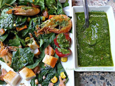Ensalada de espinacas frescas y frutos del mar