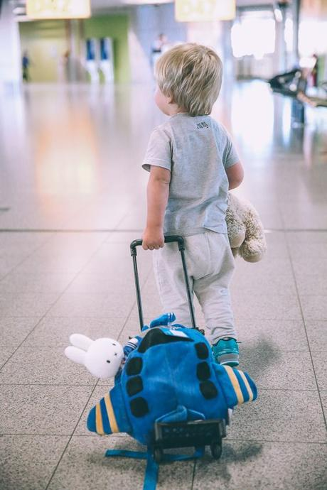 viajar niños mochila