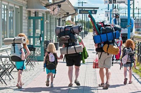 viajar niños mochilas