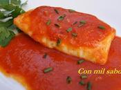 Lomos merluza salsa pimientos rojos