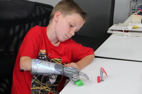 Protesis de Superheroes para niños superpoderosos