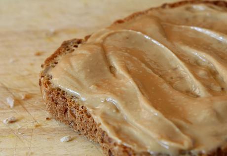 beneficios de la mantequilla de maní