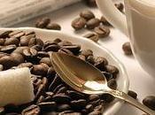 feliz tomar café