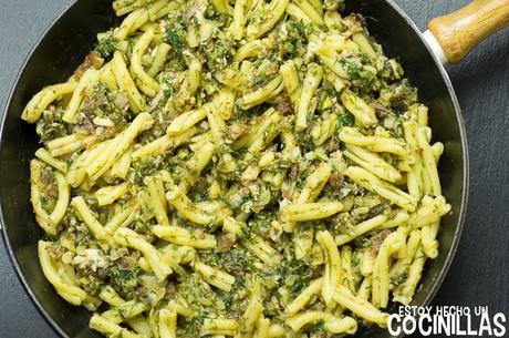 Receta de pasta con le sarde (pasta con sardinas). Cocina siciliana