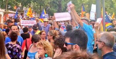 """Barcelona clama al mundo: """"No tinc por"""" (""""no tengo miedo"""