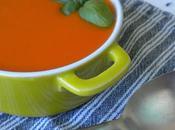 Sopa tomate aceite albahaca