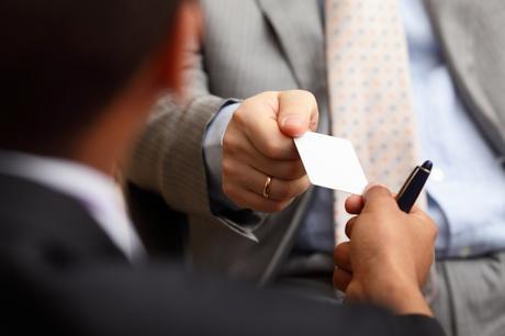 Las tarjetas de visita siguen siendo necesarias en la era digital