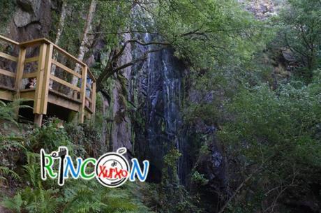 La cascada da Ribeira Sacra: FERVENZA DE AUGACAÍDA