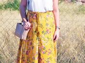 Falda larga flores abotonada