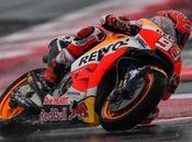 Márquez vence Misano sobre asfalto mojado coloca líder mundial