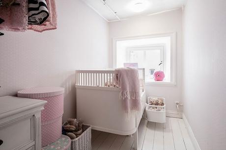 dormitorio infantil en rosa estilo vintage