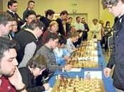 Carlsen victorias tablas simultáneas Mallorca