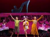 Curiosidades: zapato gigante Manolo Blahnik musical Priscilla Desierto