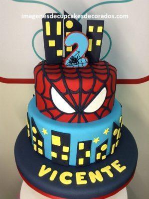 pasteles decorados con fondant para niños heroe