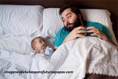 fotos tiernas de bebes con sus padres cama