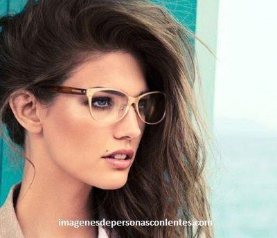 Tendencias de monturas de gafas modernas para mujer de moda - Paperblog