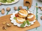 Profiteroles salados rellenos crema pepino