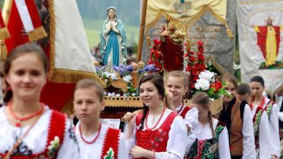 Un millón de cristianos polacos se reunirán a rezar el Rosario.