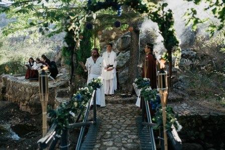 Carlos y Noelia, una boda medieval en la sierra de Madrid
