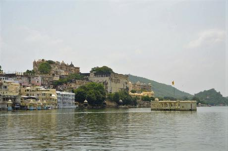 Dónde ves a James Bond todas las noches: Udaipur – Where you can watch James Bond all the nights: Udaipur