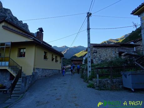 Ruta al Cornón por el Valle los Cereizales: Villar de Vildas