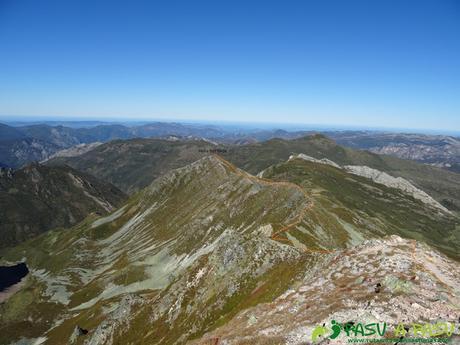 Ruta al Cornón por el Valle los Cereizales: Del Cornón a Pena Bermeja