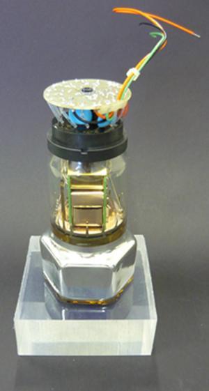Tubo fotomultiplicador con cristal de centelleo