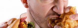 Un nuevo estudio muestra que el estrés puede ser tan poco saludable como la comida chatarra