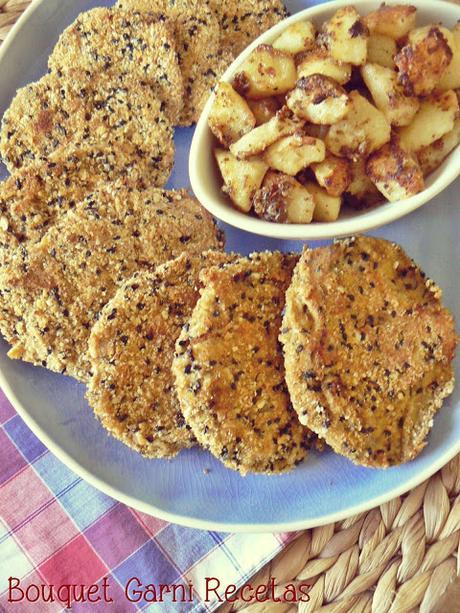 Milanesas de gírgolas con papas asadas al queso Cheddar