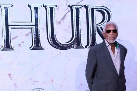 Morgan Freeman interpretará al ex secretario de Estado de #EEUU Colin Powell #Cine # Peliculas