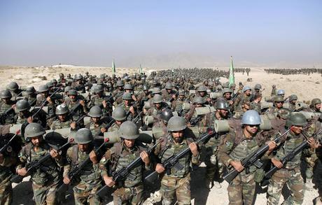 Atentado de talibanes mata 43 soldados en Afganistán.