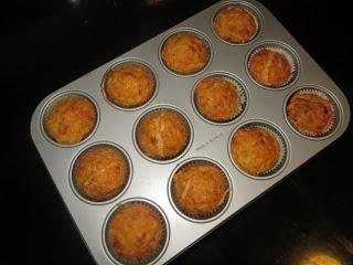 MUFFINS DE BACON Y QUESO