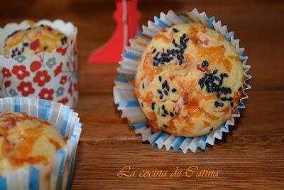 Muffins de salami y cuatro quesos